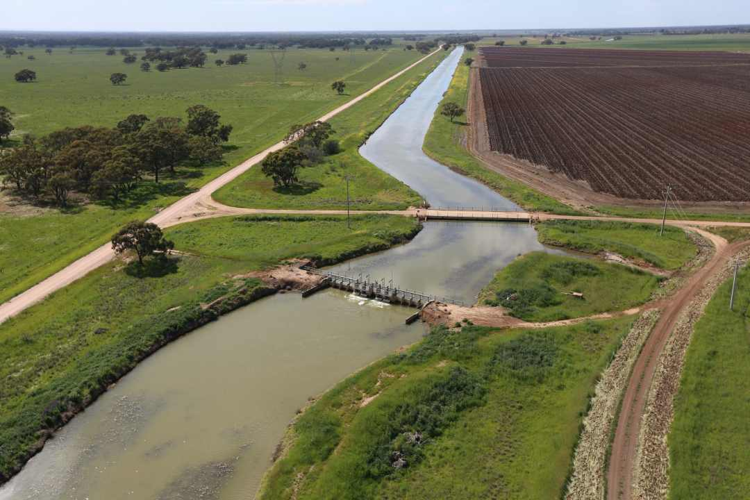 Large Canal Regulated by FlumeGates, Coleambally