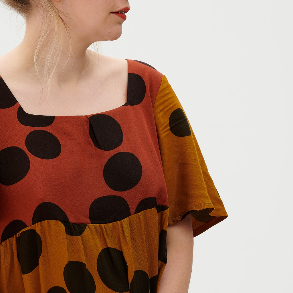 details of maternity sewing two colour dress bodice with spots