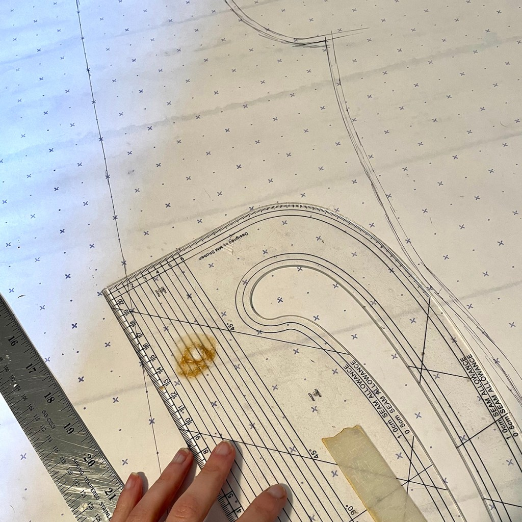 Tracing a pattern from ready to wear dress