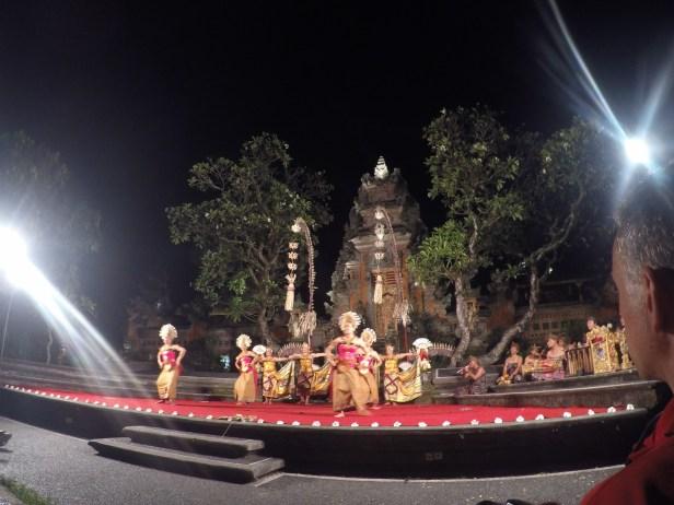 dance show at saraswati temple