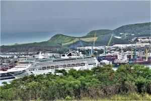 Kreuzfahrtschiff in Nouméa, Neukaledonien