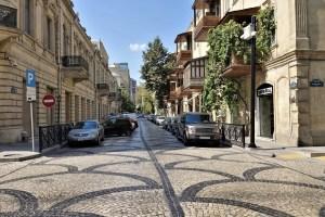 Kleine Straße in Baku