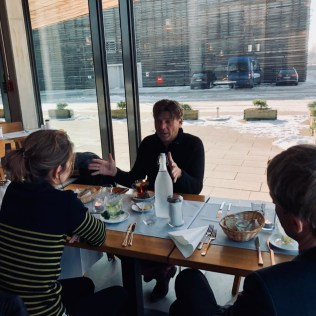 Ulf Gehrkens von Aurubis im Gespräch mit Marie Lebec und Rüdiger Kruse