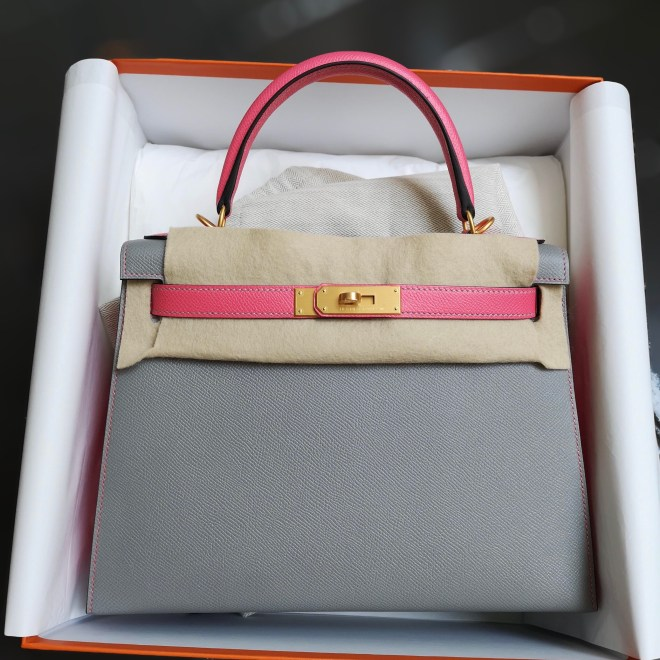 Hermes Kelly 28 Gris Mouette and Rose azalee.jpg