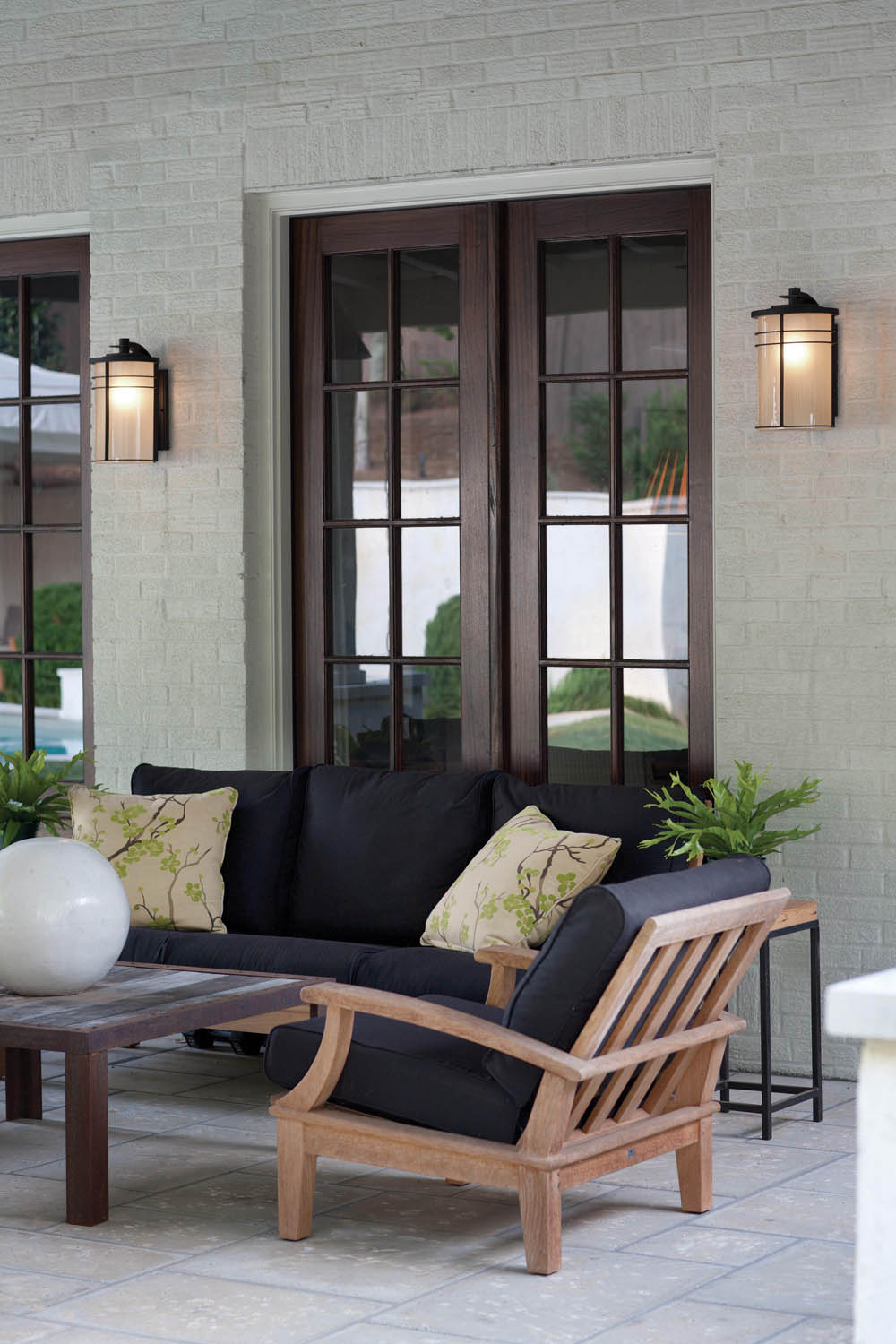 Selecting Outdoor Lighting With Hinkley Rue