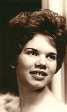 Gloria Pierce Douglas – 1942-2019