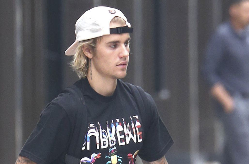 Justin Biebers face tattoo revealed: Find out what the singer Inked over his eyebrow – AOL