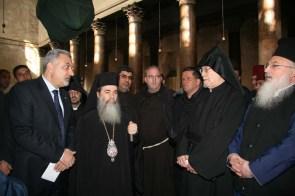 Patriarhul, reprezentantul armean, domnul Badak şi şeful poliţiei
