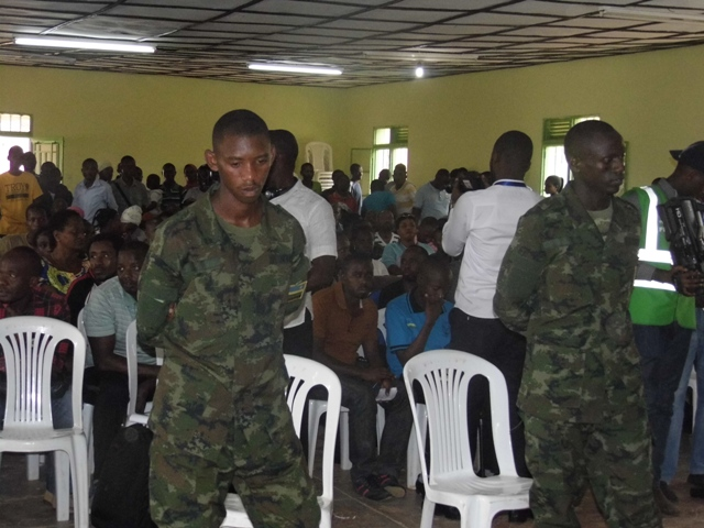 Ntibizabatangaze ejo nimwumva ngo aba bicanyi bafunguwe –> Kigali: Abasirikare bashinjwa kwicira umuntu ku kabari bavuze ko bitabaraga