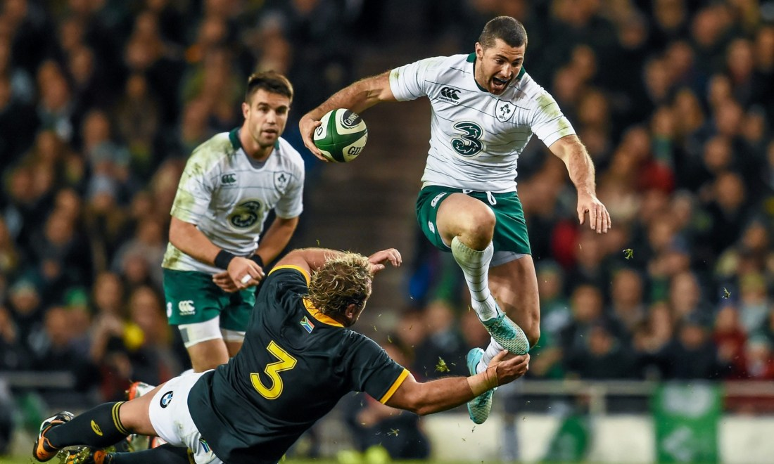 08 Nov 2014 --- 8 November 2014; Rob Kearney, Ireland, evades the tackle of Jannie du Plessis, South Africa. Guinness Series, Ireland v South Africa, Aviva Stadium, Lansdowne Road, Dublin. Picture credit: Stephen McCarthy / SPORTSFILE --- Image by © Stephen McCarthy / SPORTSFILE/SPORTSFILE/Corbis