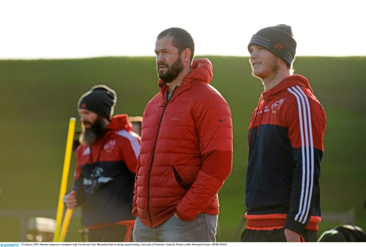 12 January 2015; Munster temporary consultant Andy Farrell and Tyler Bleyendaal look on during squad training. University of Limerick, Limerick. Picture credit: Diarmuid Greene / SPORTSFILE