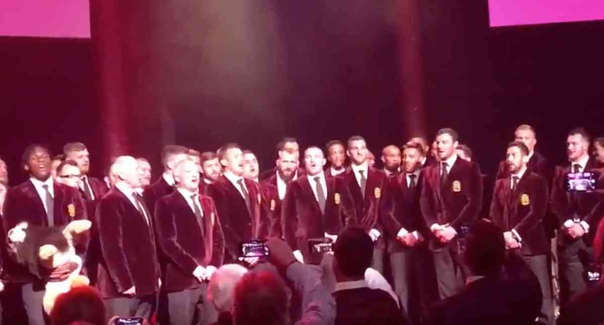 Watch: The Lions Belt Out The Fields Of Athenry At Their Farewell Dinner
