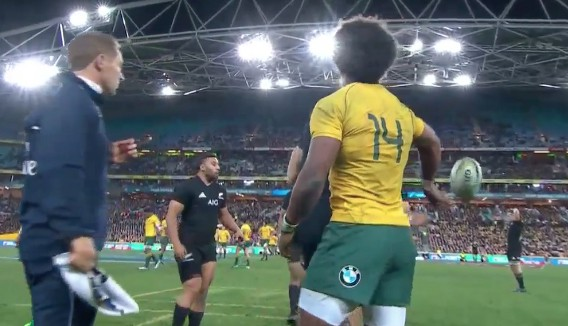 Watch: How Outrageously Good Is This Flick Pass From Henry Speight?