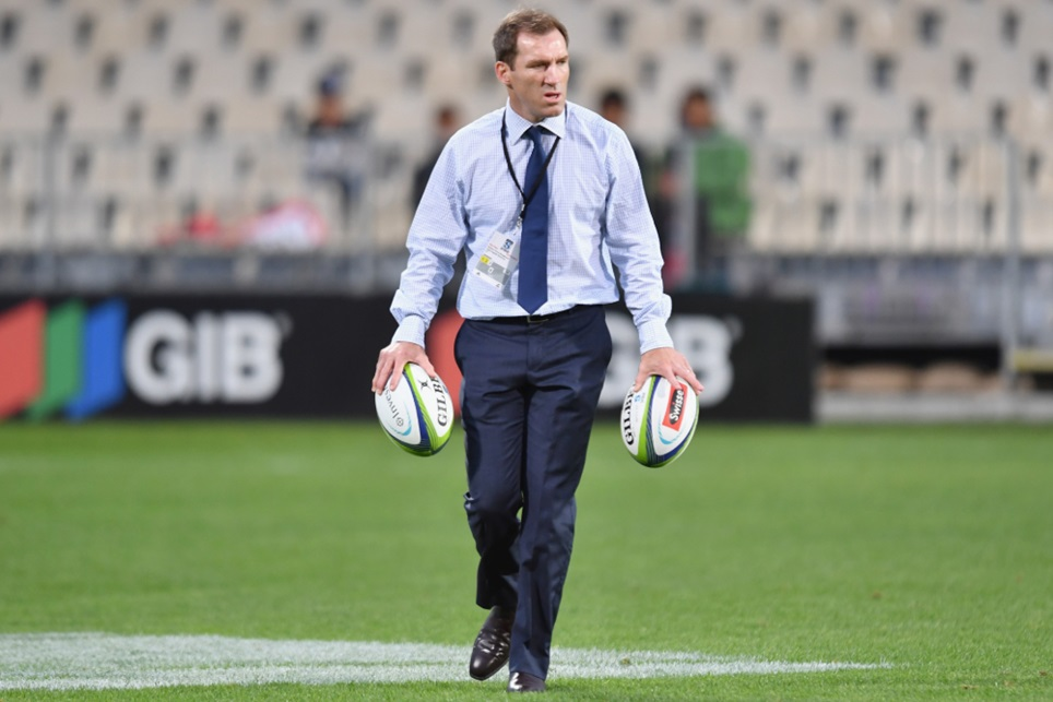 'Time for a new voice', Gibson stands down as Waratahs coach