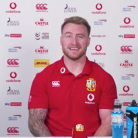 """""""You Can Keep Poking The Bear, Mate"""" – Stuart Hogg Responds To Rassie's Video"""