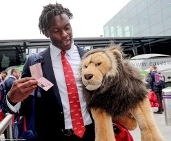 40E8A18600000578-4551910-Itoje_is_the_British_and_Irish_Lions_squad_s_youngest_player_for-a-78_1496063565417