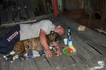 drunk-man-sleeping-with-dog-funny-crazy-people-pics