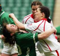 rugby-punch-women-foul-play