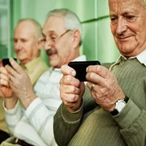 Seniors using Social Media. Image from blog.sysomos.com
