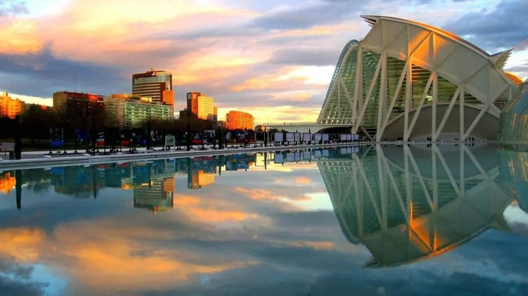 Take an affordable honeymoon to Valencia, Spain. See gorgeous Spanish architecture, Valencia landscapes and try delicious Spanish food. Take a romantic honeymoon to Valencia for a stunning honeymoon destination you will always remember.