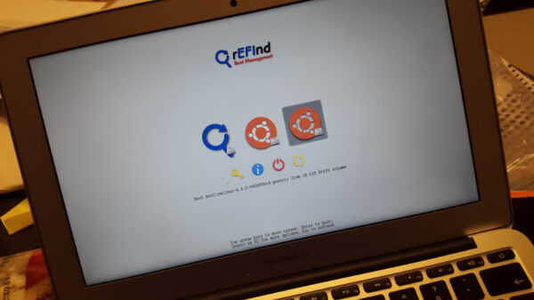 rEFInd Boot Manager on MacBook Air 7,1