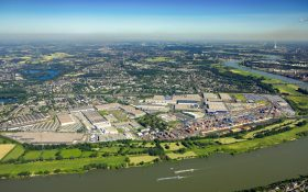 Logport in Duisburg-Rheinhausen: Foto: Hans Blossey