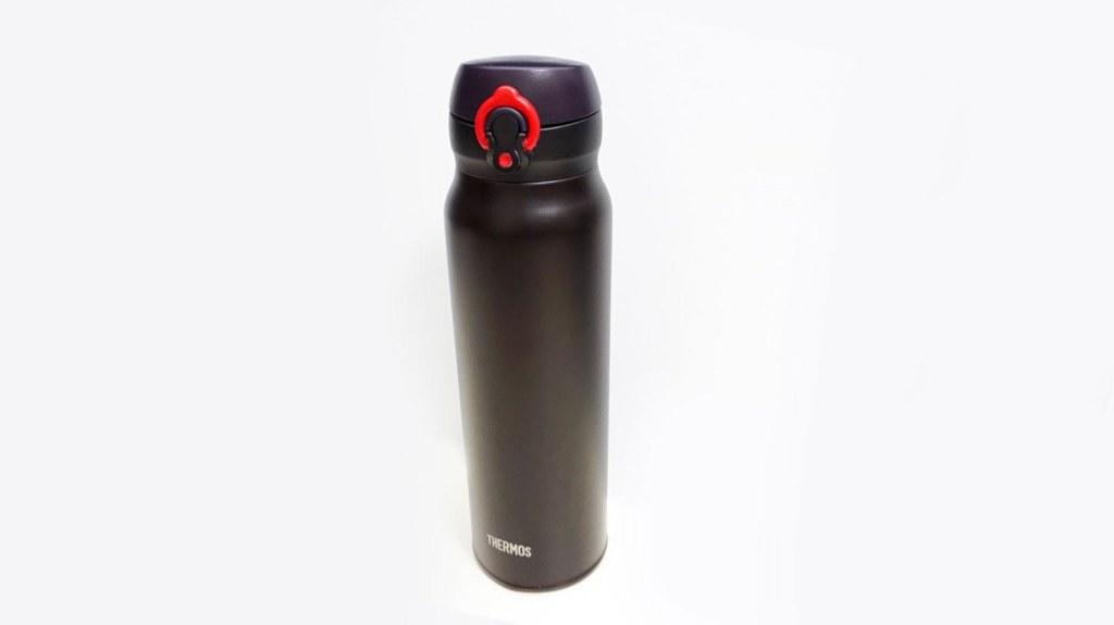 ずっと美味しいサーモスの真空断熱水筒