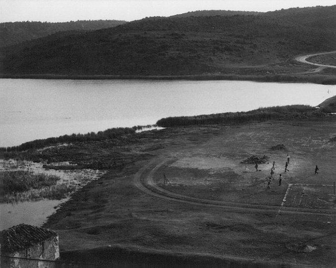 La casa e compuertas de Ruidera y la laguna del Rey