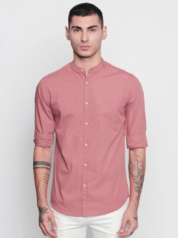 Dennis Lingo Men Solid Casual Pink Shirt