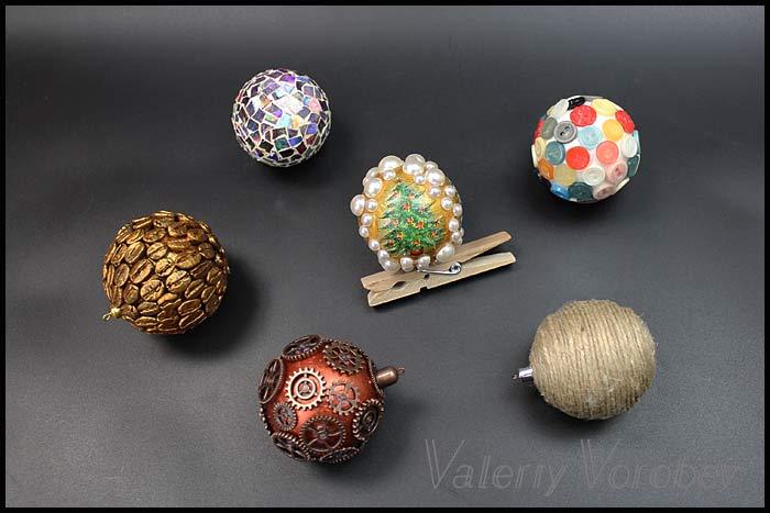 Елочная игрушка из пенопластового шара