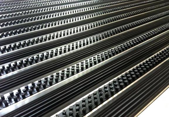 Алюминиевая грязезащитная решетка