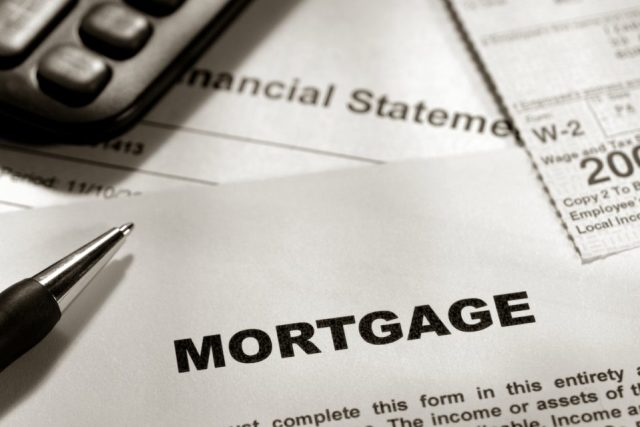 ecbfbb 9c963698ff0047cb832d8c0c0e25e3edmv2 960x640 - Рефинансирование ипотеки  материнским капиталом