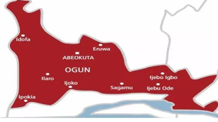 18-year-old boy Kills motorcyclist for N500 data in Ogun, Two lost lives to accident on Lagos-Abeokuta Highway, Gunmen abduct pregnant woman, others in Ogun, Ogun pensioners protest N68bn unpaid 10 years gratuity, Pregnant woman die Lagos-Ibadan