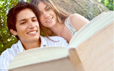 12 Awesome Books on Marriage. Top picks from a marriage therapist's book shelf. #marriage #marriagebooks
