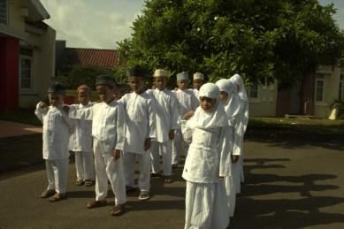 Berbaris Anak Islami