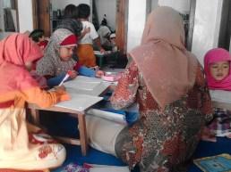 Kegiatan Belajar Sholat di Rumah Cerdas Islami (12)