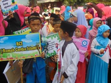 Pawai Taaruf Rumah Cerdas Islami Jombang dalam rangka Peringatan Isra Miraj 2016 (162)