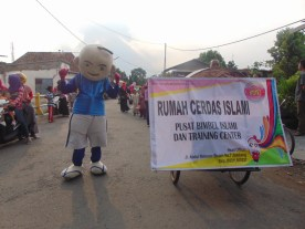 Pawai Taaruf Rumah Cerdas Islami Jombang dalam rangka Peringatan Isra Miraj 2016 (177)