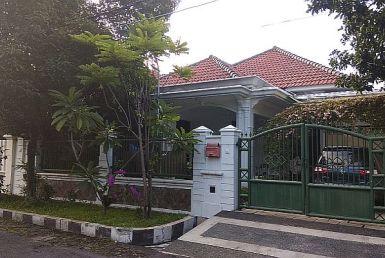 rumah dijual manyar
