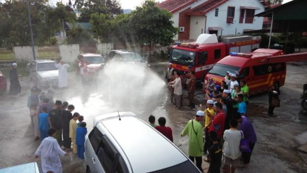 Majlis berkhatan beramai-ramai di Masjid Assalam Kampung Contoh, Putatan