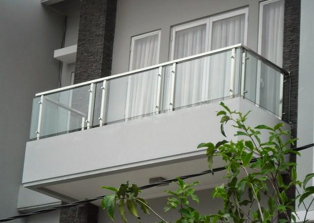 Foto Balkon Kaca Rumah 2 Lantai Balkon Minimalis 2539