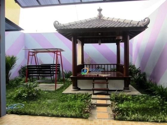 Taman rumah minimalis dengan gazebo 5 - 15 Contoh Desain Taman Rumah Minimalis Modern Terbaru 2018