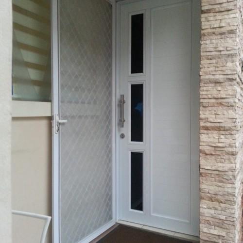 Kusen Pintu Aluminium Minimalis 6 - Tips Memilih Pintu Rumah Minimalis & 50++ Contoh Desain.