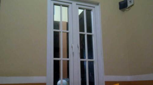 Kusen Pintu UPVC Minimalis 1 - Tips Memilih Pintu Rumah Minimalis & 50++ Contoh Desain.