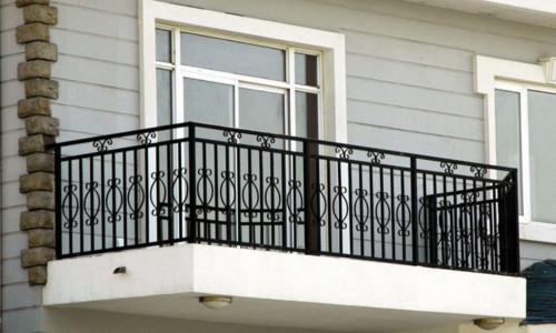Model Balkon Minimalis Modern Lantai 2