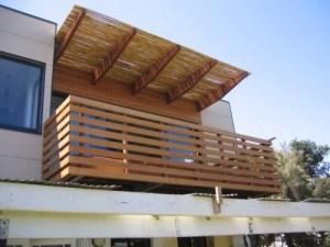 15 model balkon minimalis modern lantai 2 di rumah tingkat