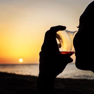 rum-tasting-in-the-sunset