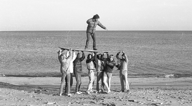 Retro RFH Beached Surfers