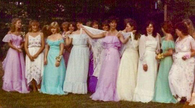 Retro RFH 80s Prom Girl Stylin'