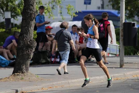 Karolína Šiková při závodu ve sprintu (foto: Jakub Marek)